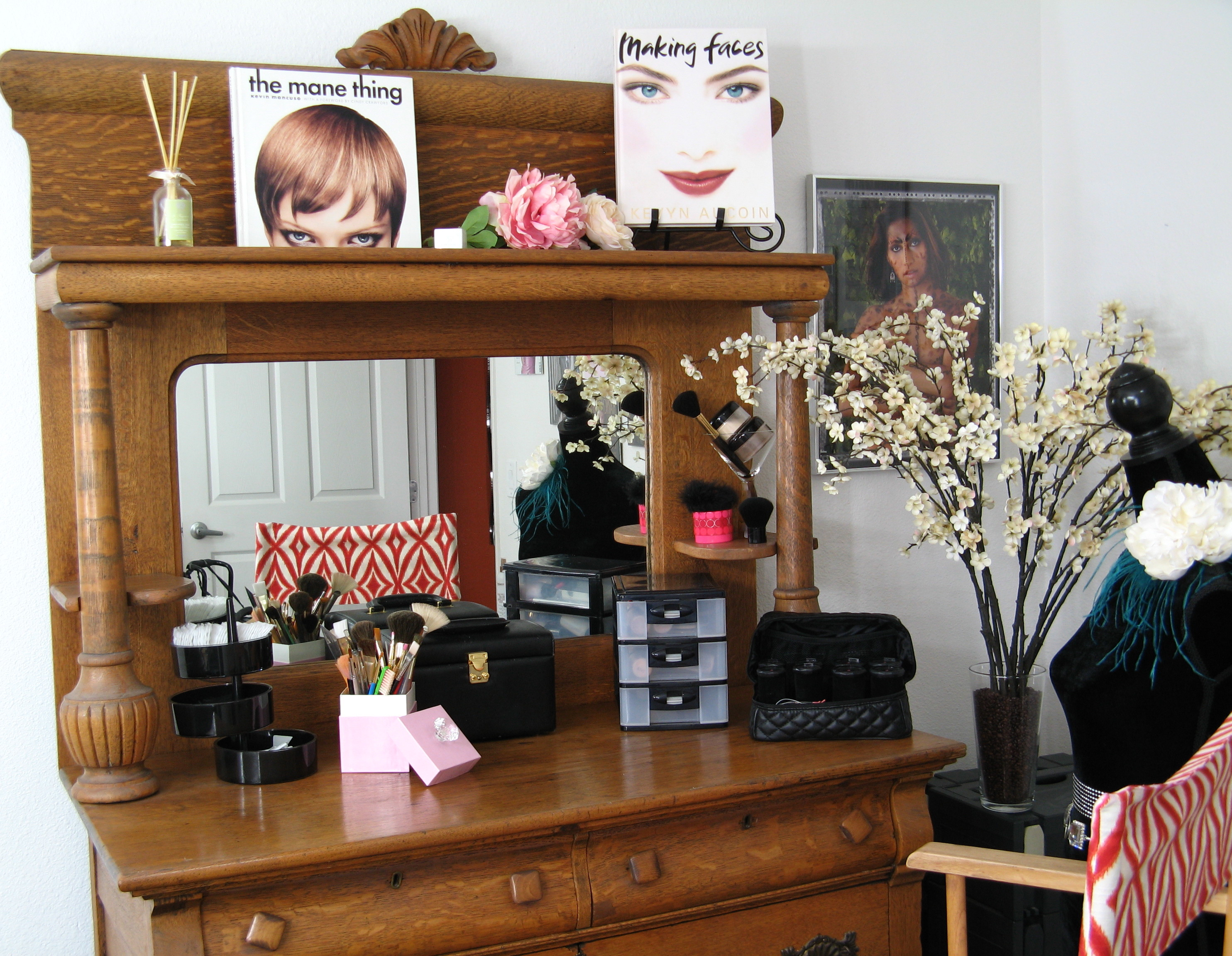 Makeup Station Organizational Ideas